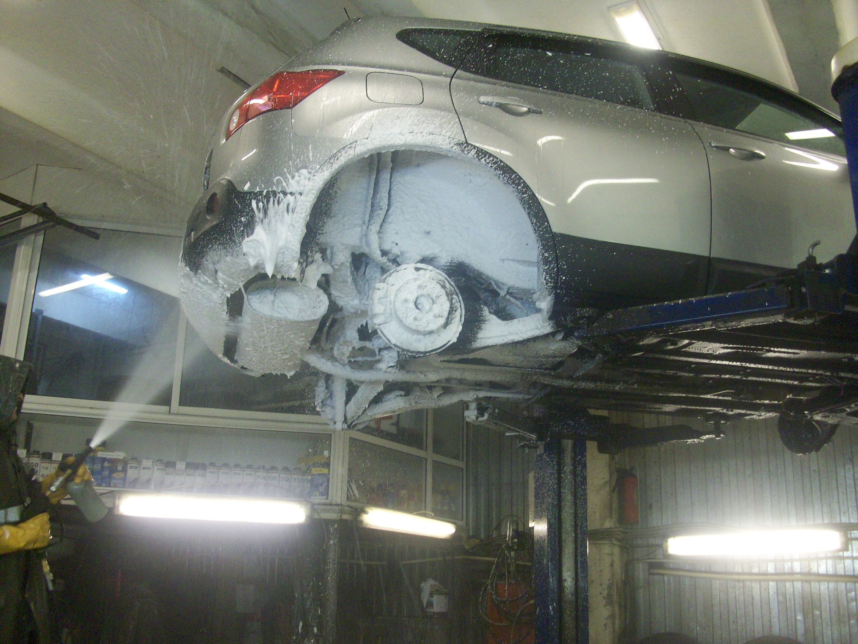 Антикоррозионная обработка днища автомобиля своими руками 3